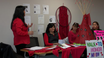Red Dresses (Robes rouges)